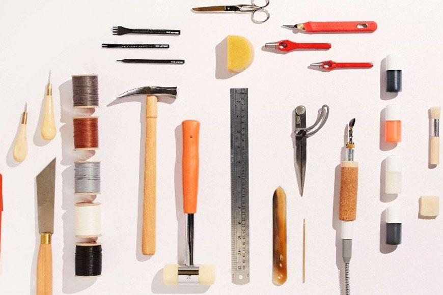 Les outils nécessaires pour réaliser un premier article de maroquinerie